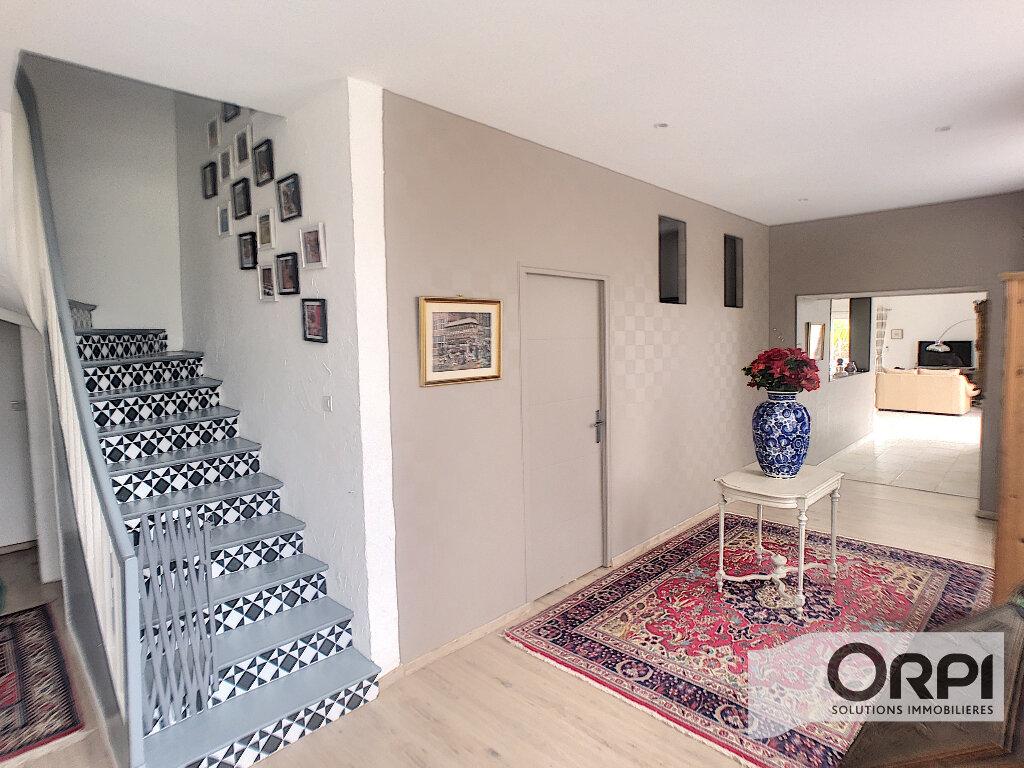 Maison à vendre 7 233m2 à Saint-Amand-Montrond vignette-10