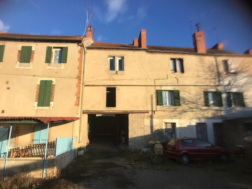 Immeuble à vendre 0 520m2 à Montluçon vignette-4