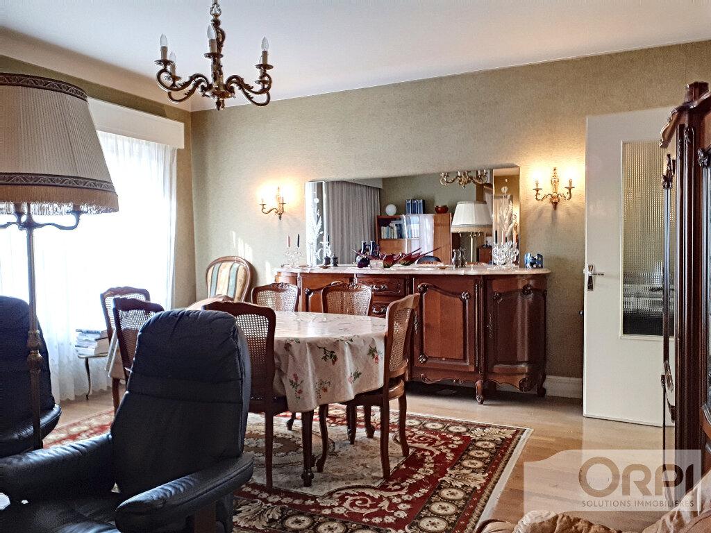 Maison à vendre 6 134.3m2 à Commentry vignette-3