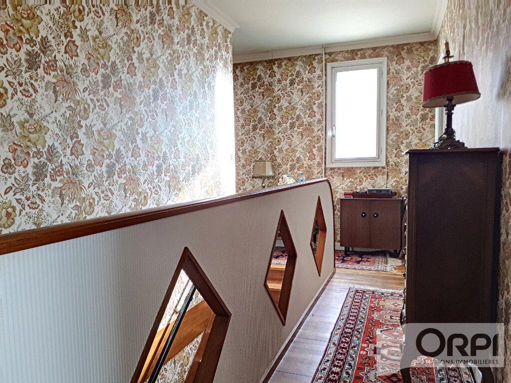Maison à vendre 6 134.3m2 à Commentry vignette-7
