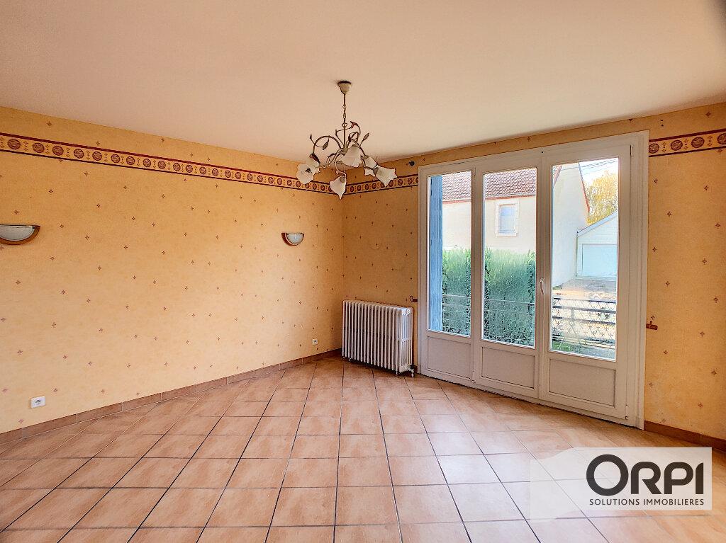 Maison à vendre 3 68m2 à Saint-Bonnet-Tronçais vignette-3