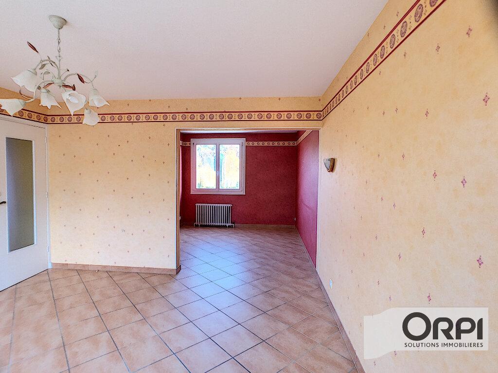 Maison à vendre 3 68m2 à Saint-Bonnet-Tronçais vignette-4