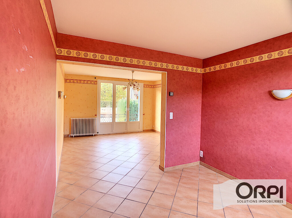 Maison à vendre 3 68m2 à Saint-Bonnet-Tronçais vignette-5