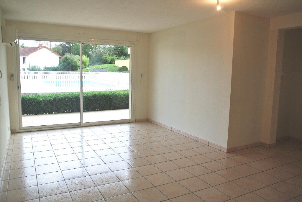 Appartement à vendre 4 80.95m2 à Montluçon vignette-2