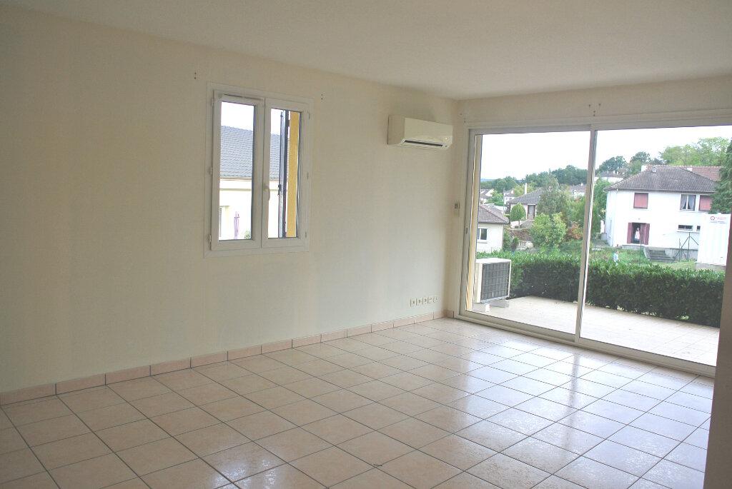 Appartement à vendre 4 80.95m2 à Montluçon vignette-3