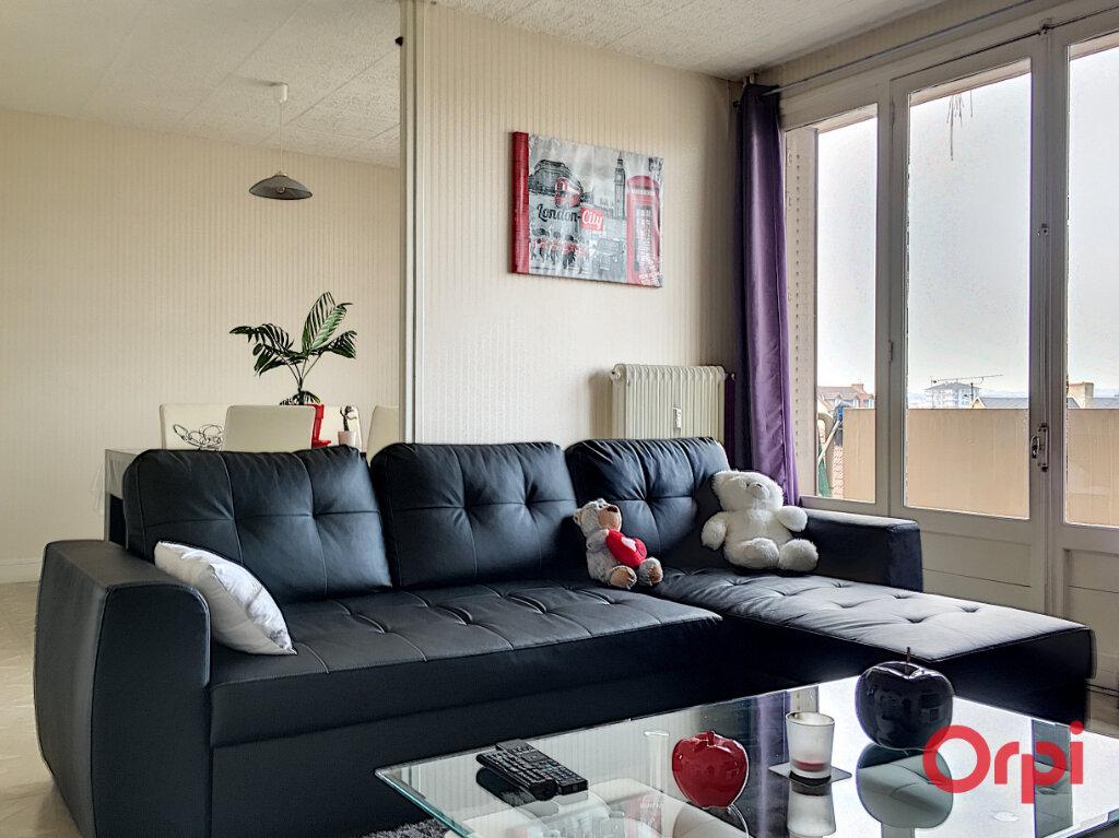 Appartement à vendre 4 63m2 à Montluçon vignette-1