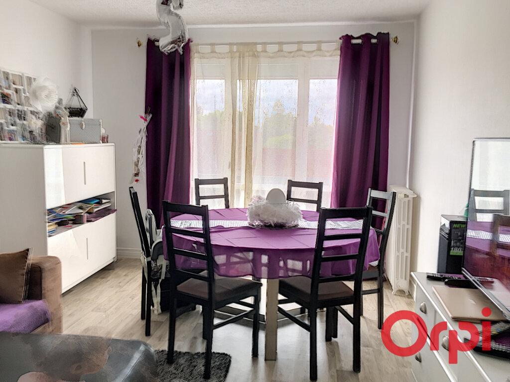 Appartement à vendre 3 58m2 à Montluçon vignette-2