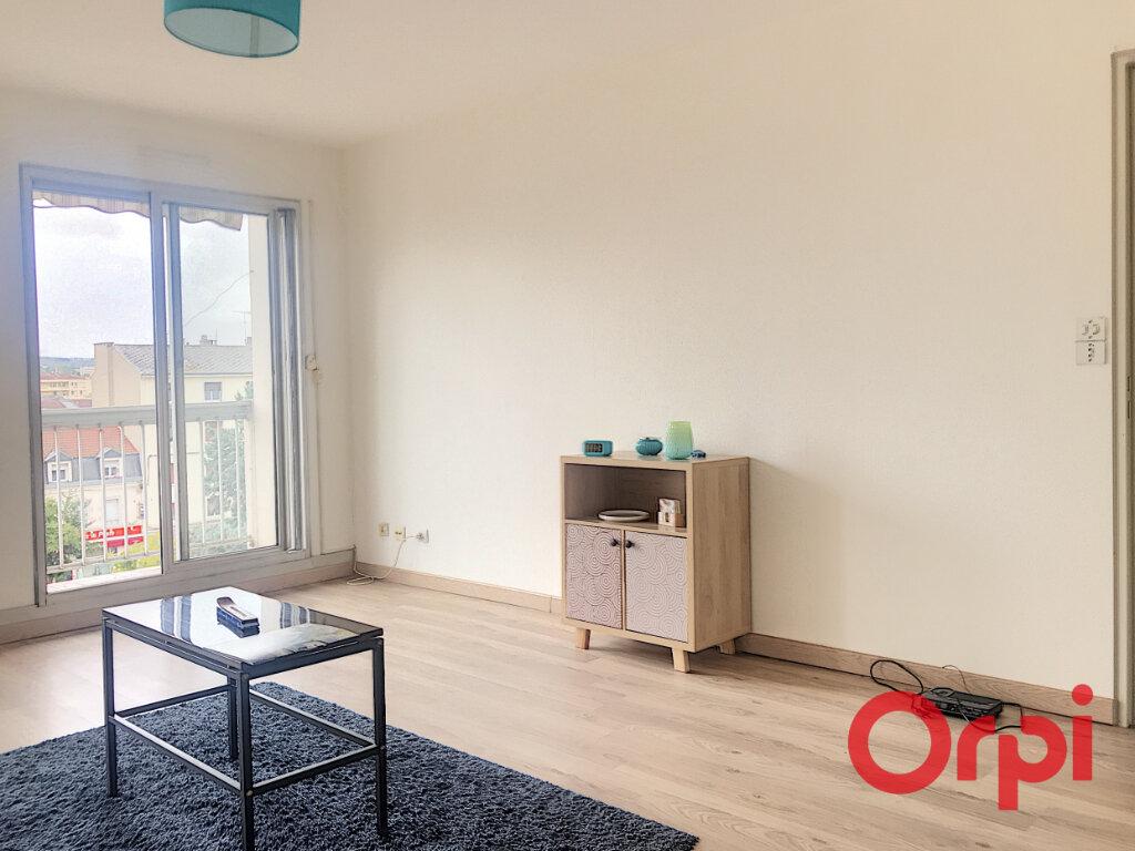 Appartement à vendre 2 52.25m2 à Montluçon vignette-2