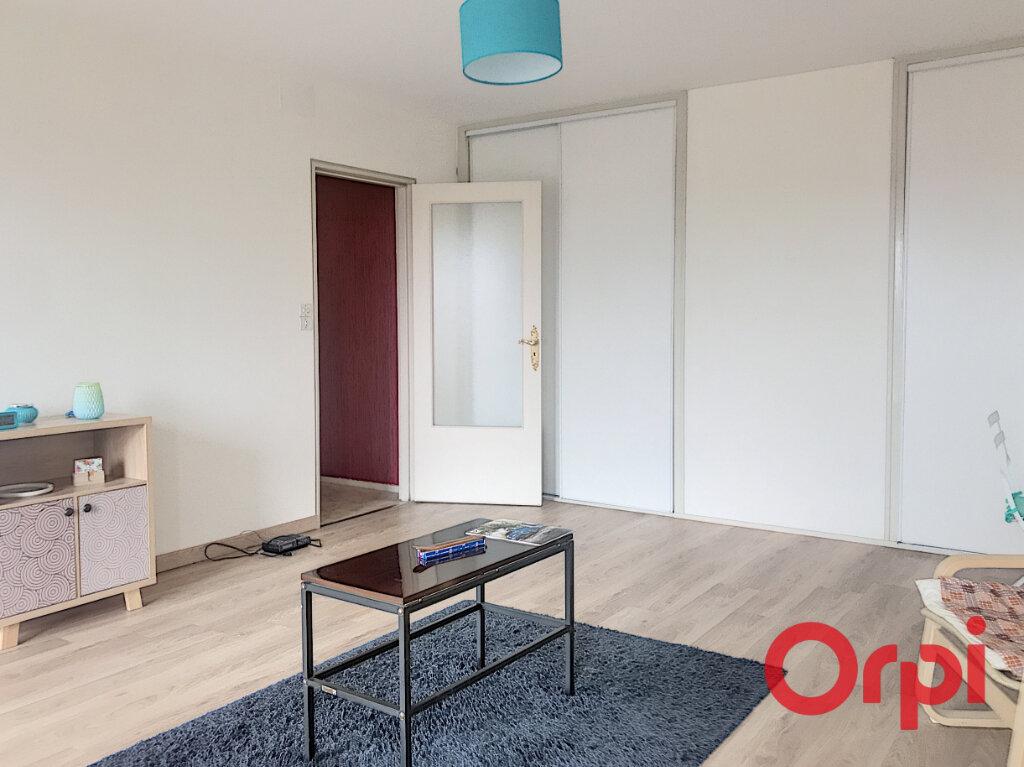 Appartement à vendre 2 52.25m2 à Montluçon vignette-3