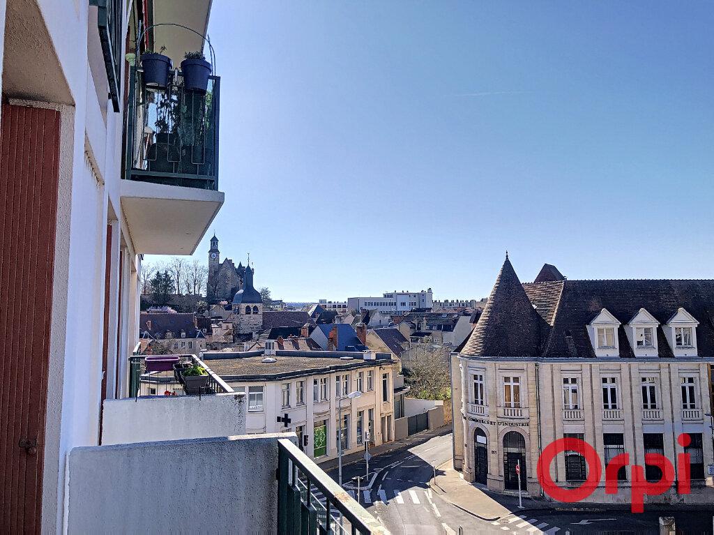 Appartement à vendre 2 61.38m2 à Montluçon vignette-3