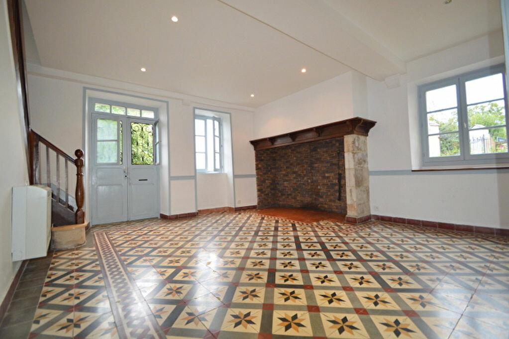 Maison à louer 6 125m2 à Bosdarros vignette-4