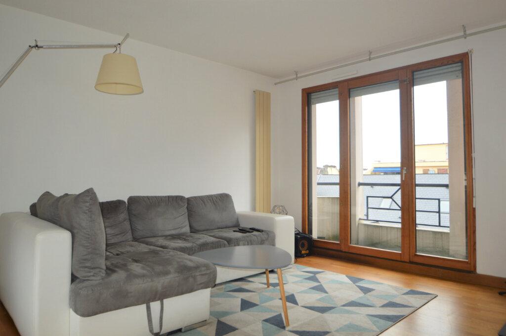 Appartement à louer 3 69.51m2 à Pau vignette-1