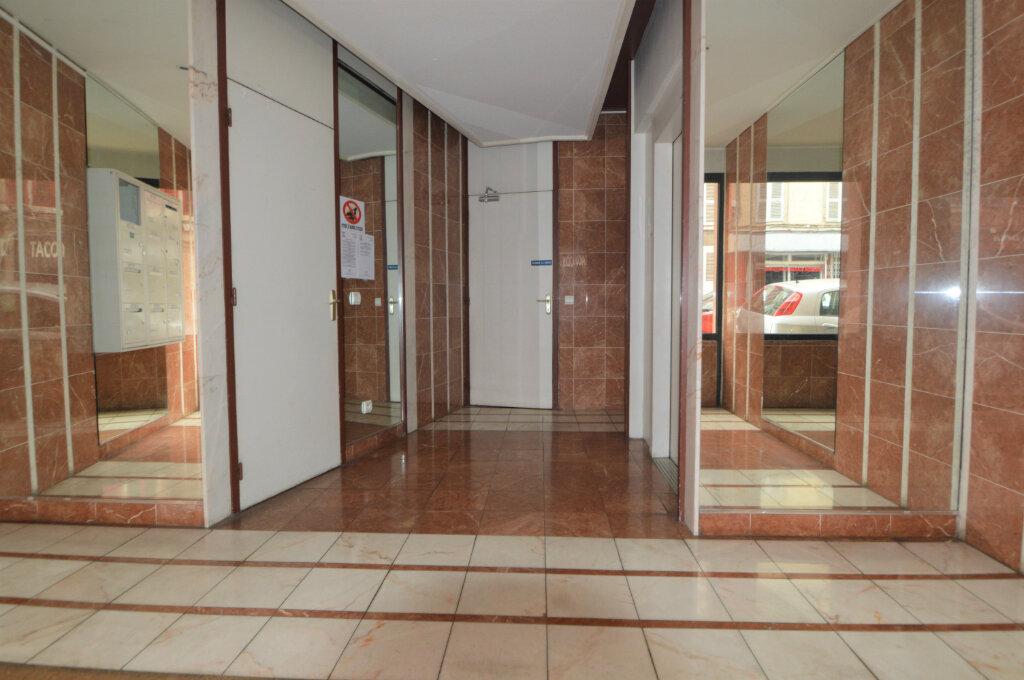 Appartement à louer 3 69.51m2 à Pau vignette-9