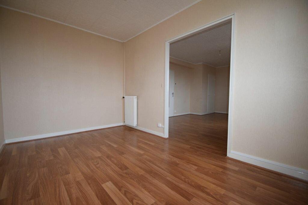 Appartement à louer 3 71m2 à Pau vignette-2