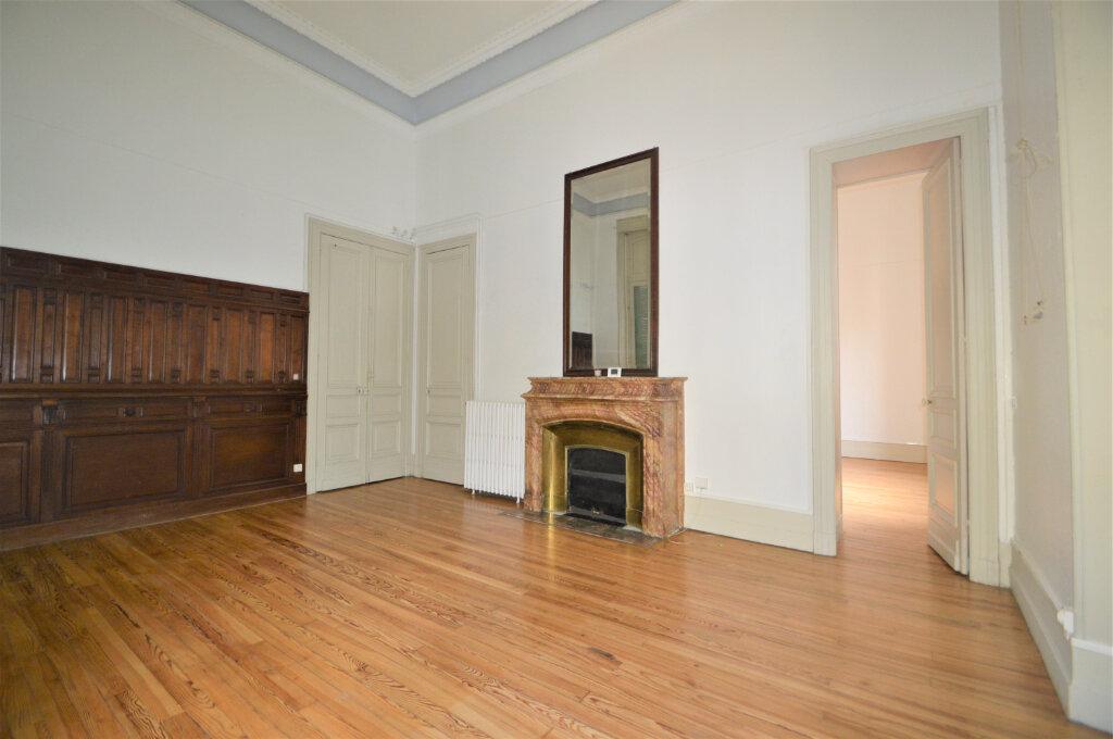 Appartement à louer 3 120.83m2 à Pau vignette-2