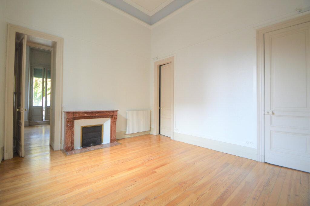 Appartement à louer 3 120.83m2 à Pau vignette-5