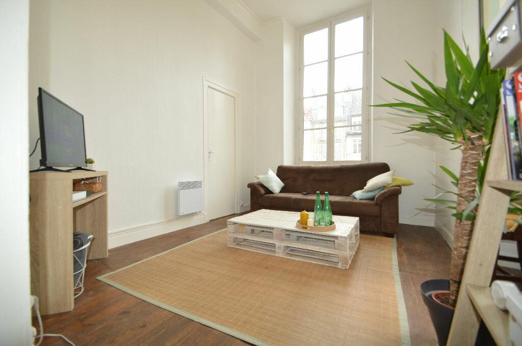 Appartement à louer 3 60.8m2 à Pau vignette-4