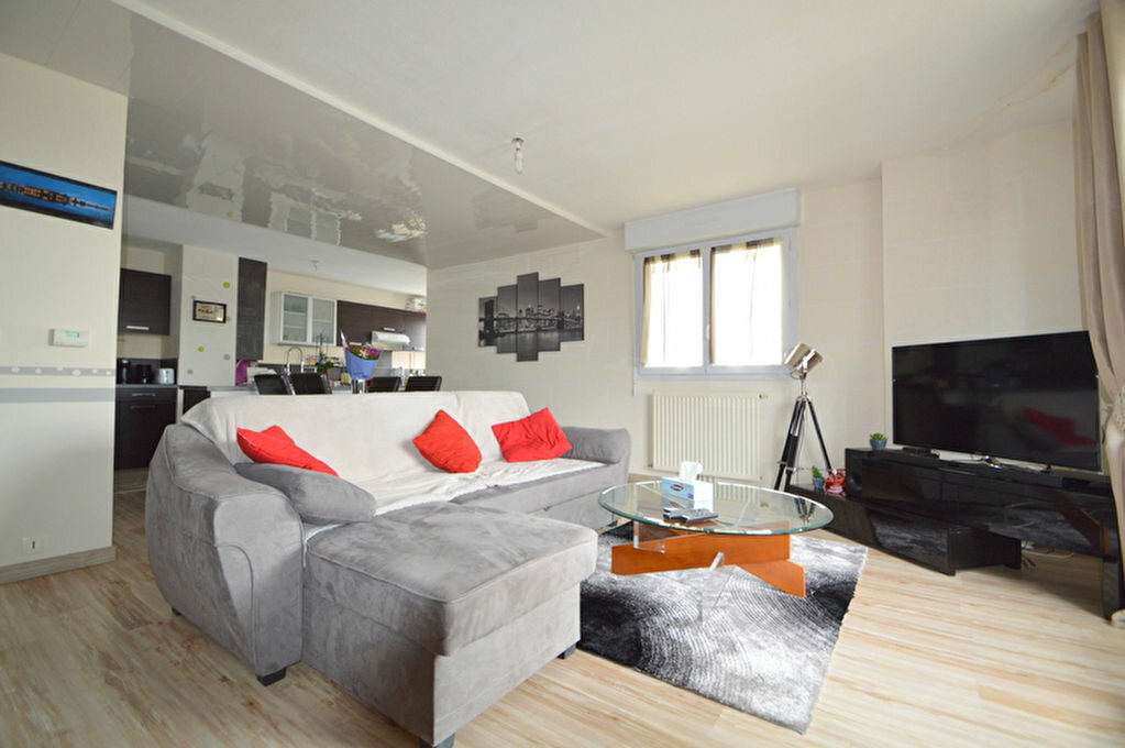 Appartement à louer 4 82.1m2 à Pau vignette-1