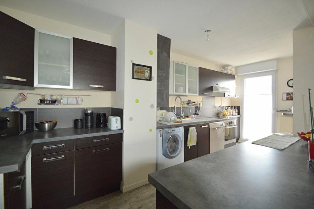 Appartement à louer 4 82.1m2 à Pau vignette-5