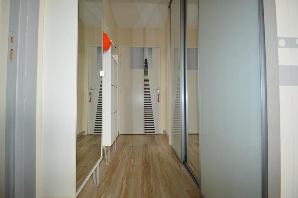 Appartement à louer 4 82.1m2 à Pau vignette-6