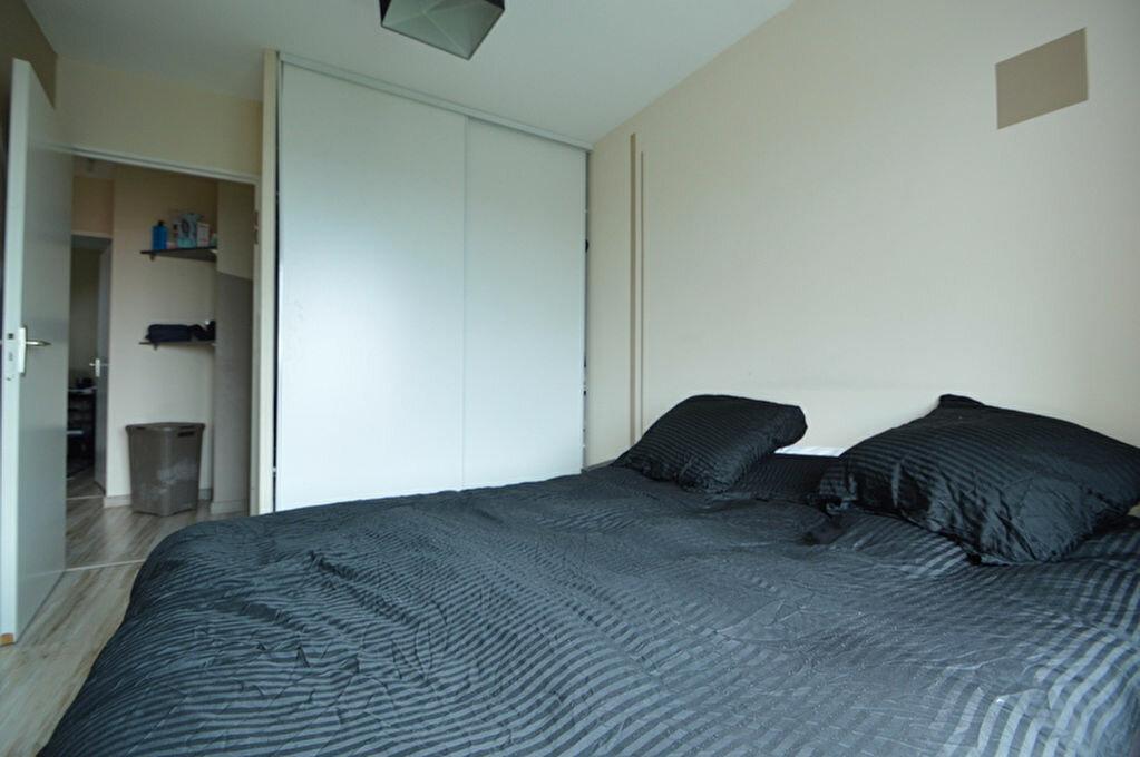 Appartement à louer 4 82.1m2 à Pau vignette-7
