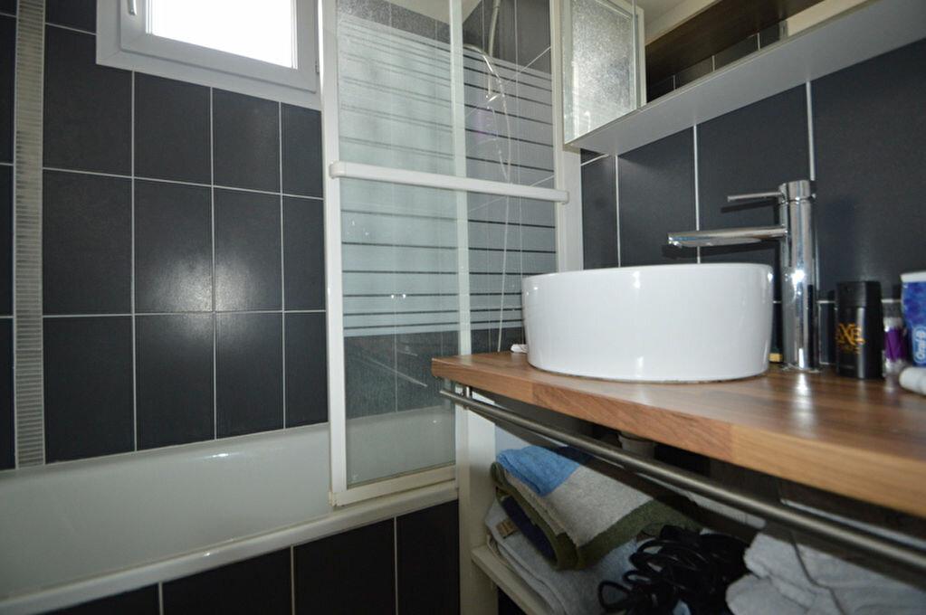 Appartement à louer 4 82.1m2 à Pau vignette-9