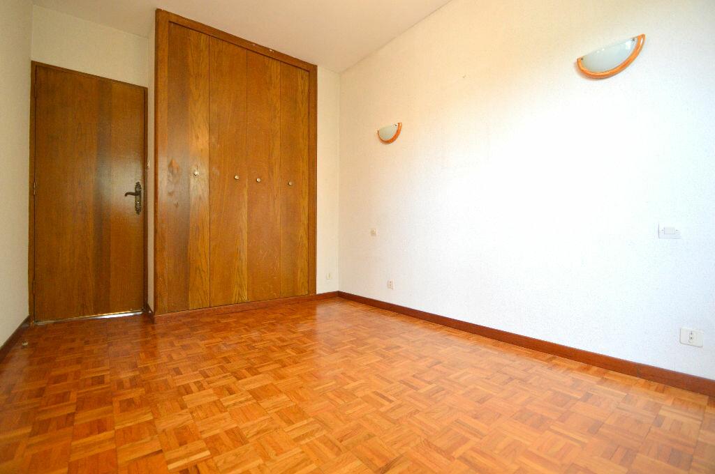 Appartement à louer 4 76m2 à Pau vignette-6