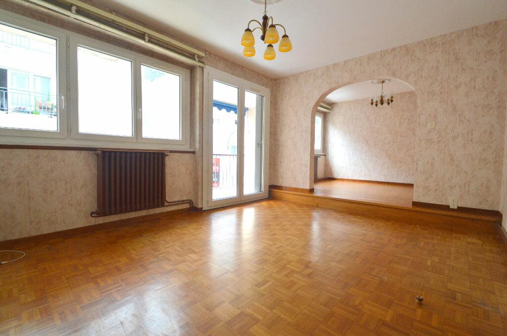 Appartement à louer 4 76m2 à Pau vignette-7