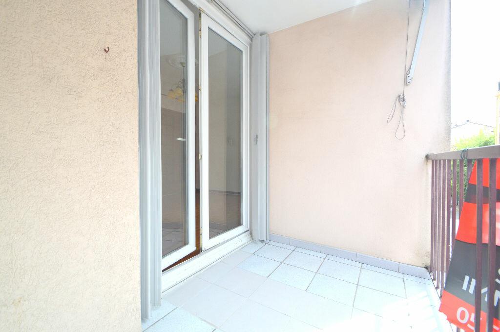 Appartement à louer 4 76m2 à Pau vignette-8
