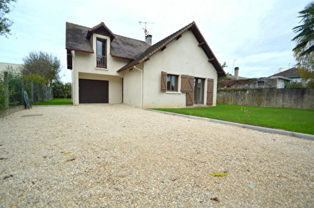 Maison à louer 4 95.57m2 à Jurançon vignette-1