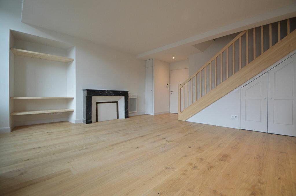 Appartement à louer 3 55.09m2 à Pau vignette-2