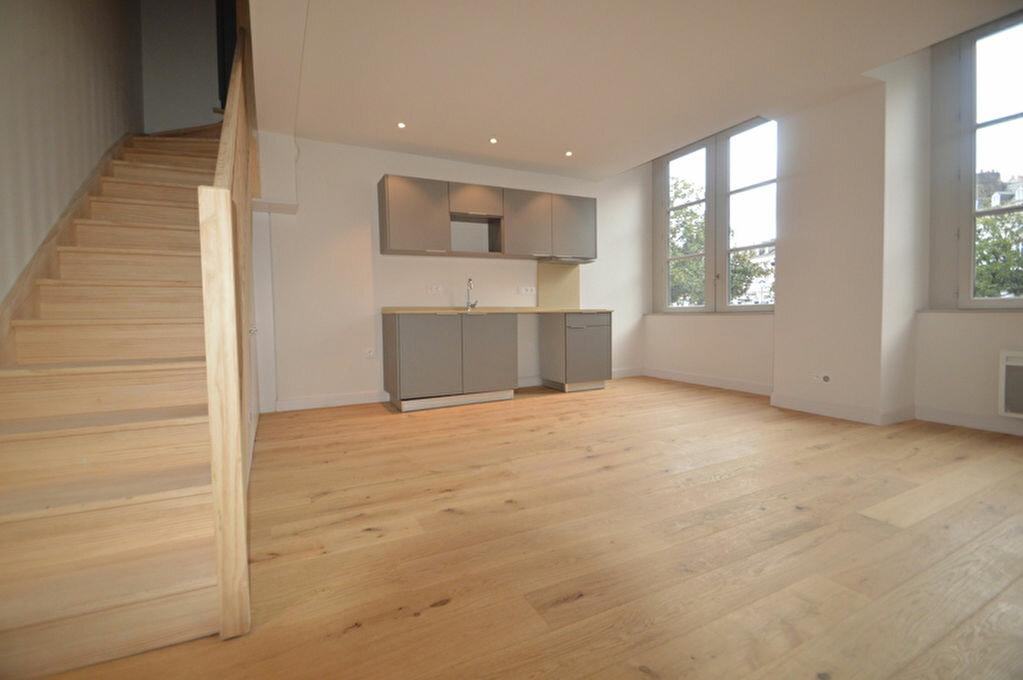 Appartement à louer 3 55.09m2 à Pau vignette-3