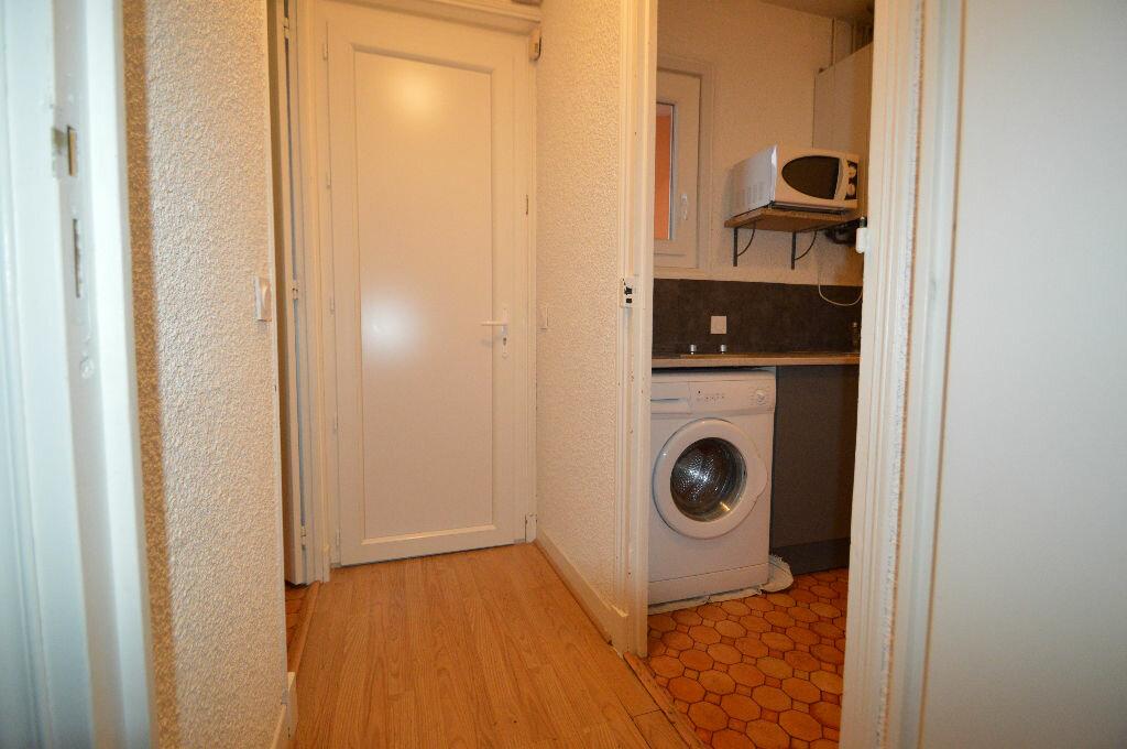 Appartement à louer 1 35m2 à Pau vignette-2