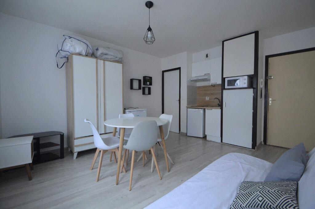 Appartement à louer 1 20.39m2 à Pau vignette-2