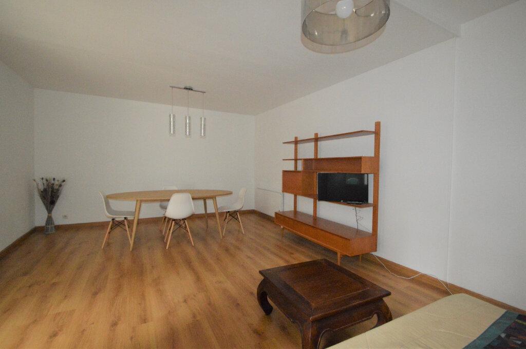Appartement à louer 2 57.26m2 à Pau vignette-4