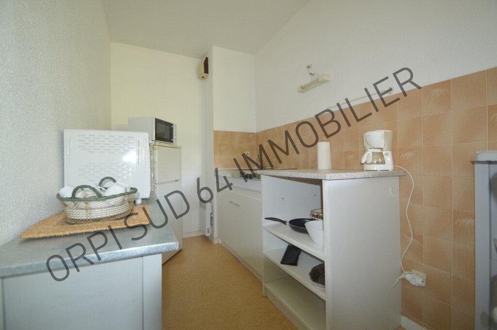 Appartement à louer 1 32m2 à Pau vignette-3