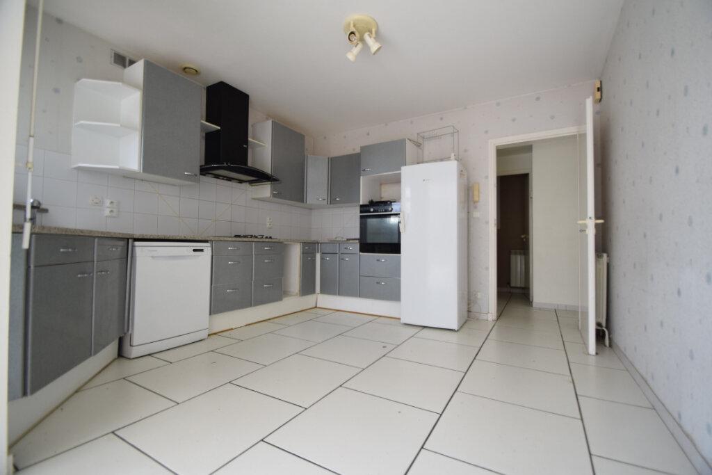 Maison à vendre 6 170m2 à Buros vignette-5