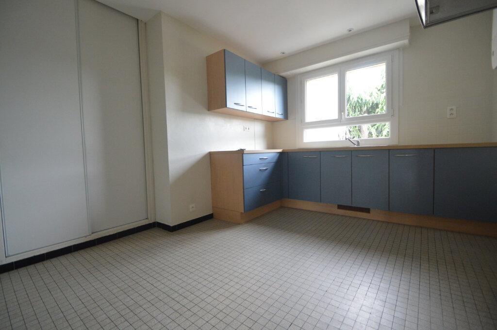 Appartement à vendre 4 84m2 à Gelos vignette-3