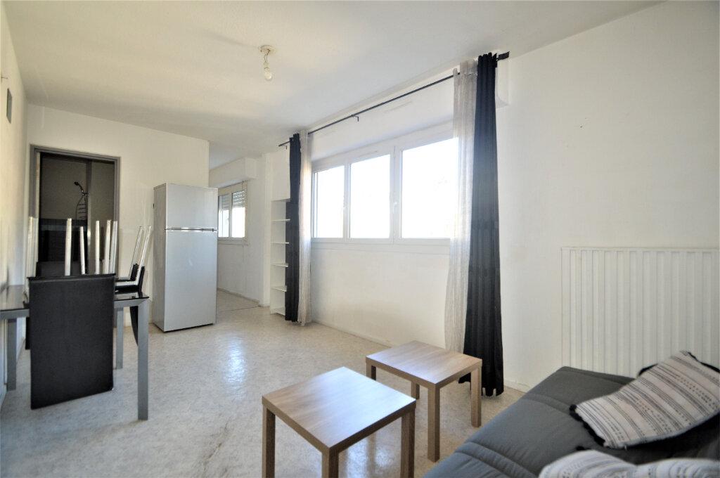 Appartement à louer 1 30m2 à Pau vignette-2