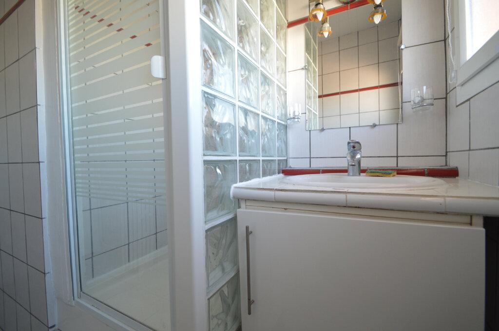 Appartement à louer 4 62.5m2 à Billère vignette-8