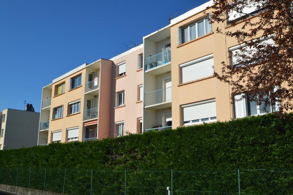Appartement à louer 4 62.5m2 à Billère vignette-9