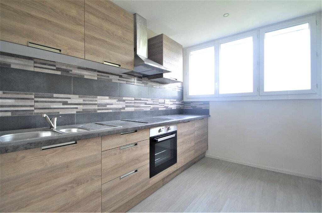 Appartement à louer 3 76.82m2 à Pau vignette-2