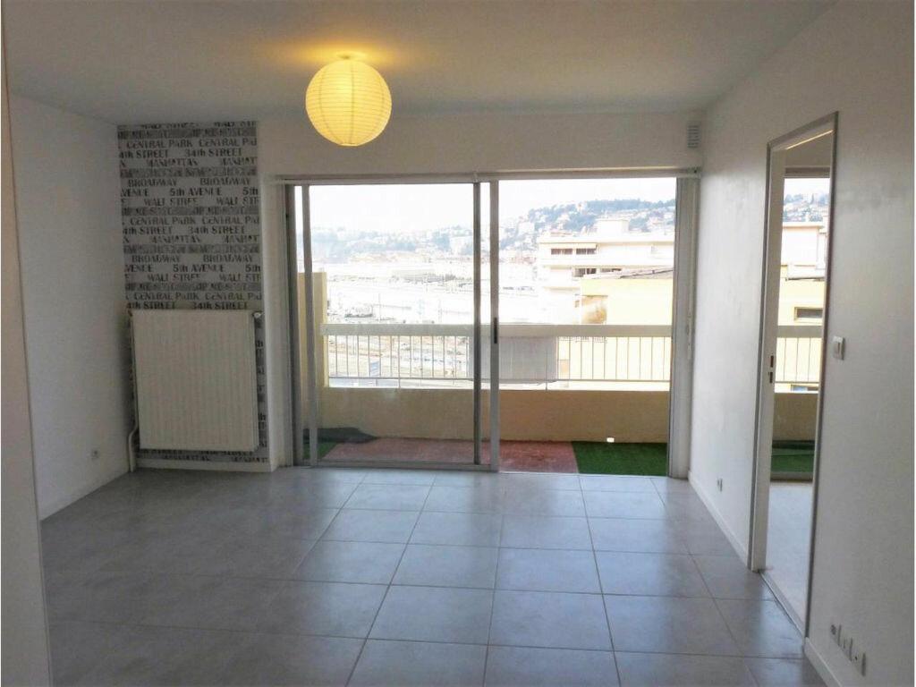 Appartement à louer 2 43.27m2 à Nice vignette-3