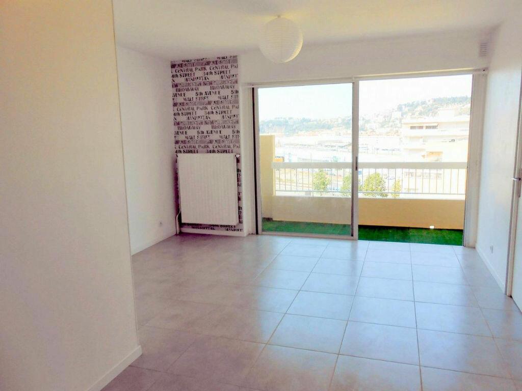 Appartement à louer 2 43.27m2 à Nice vignette-4