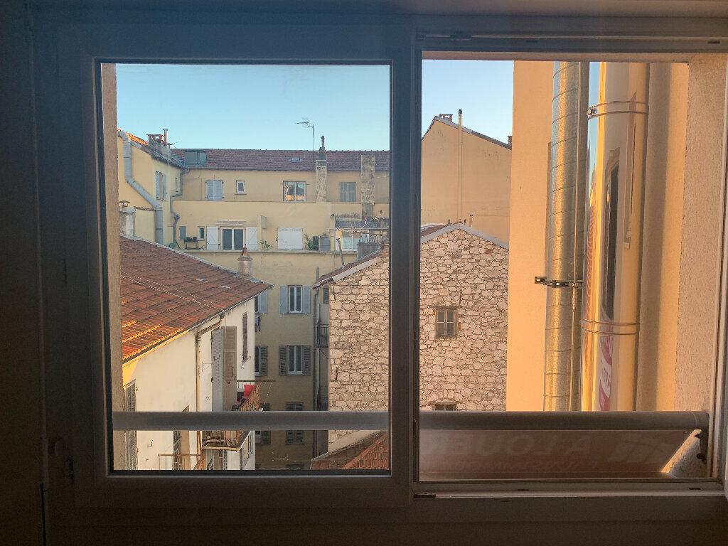 Appartement à louer 1 26.2m2 à Nice vignette-5