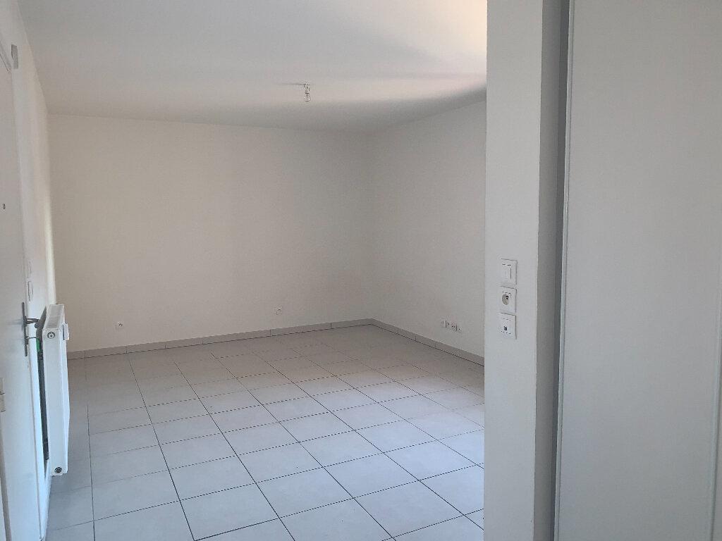 Appartement à louer 1 26.2m2 à Nice vignette-6