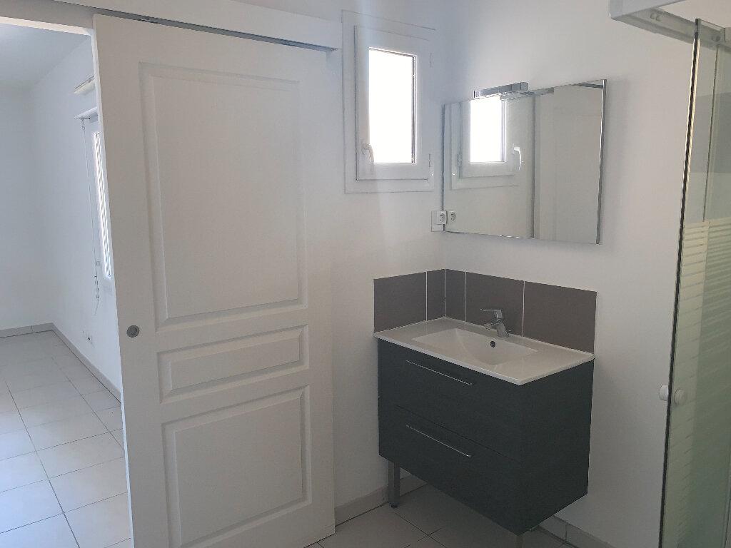 Appartement à louer 1 26.2m2 à Nice vignette-8