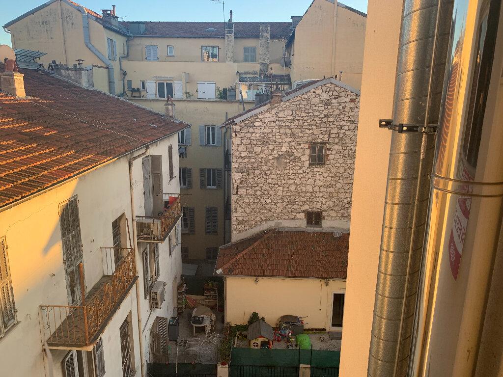 Appartement à louer 1 26.2m2 à Nice vignette-10