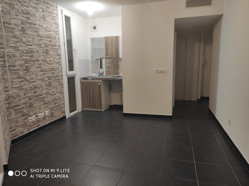 Appartement à louer 1 23.1m2 à Nice vignette-1