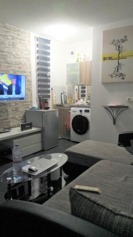 Appartement à louer 1 23.1m2 à Nice vignette-2